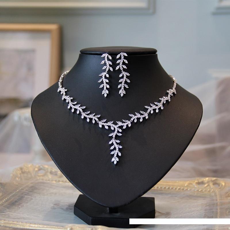 Ciondolo Foglia nuziale l'insieme dei monili della collana di zirconi di nozze e gli orecchini di lusso da sposa gioielli Set
