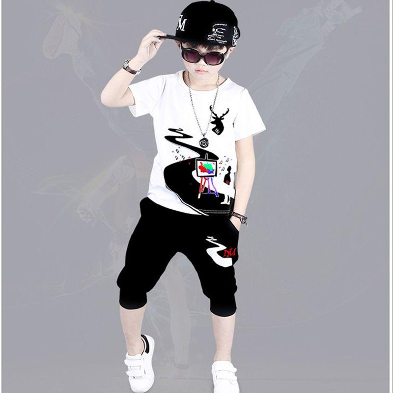 2018 Yeni Yaz Erkek Giyim Setleri Çocuk Boys Graffiti Tops T-shirt + pantolon 2 Parça Erkek Eşofman Yeni Moda 6 8 10 12 14 Yıl J190513