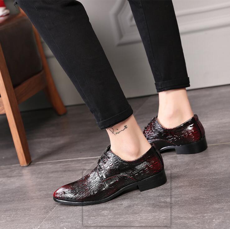 Luxury Men Black Dress Shoes Formal Wedding Leather Shoes Brand Lace Up Business Office Appartamenti da uomo Oxfords mocassini Z163