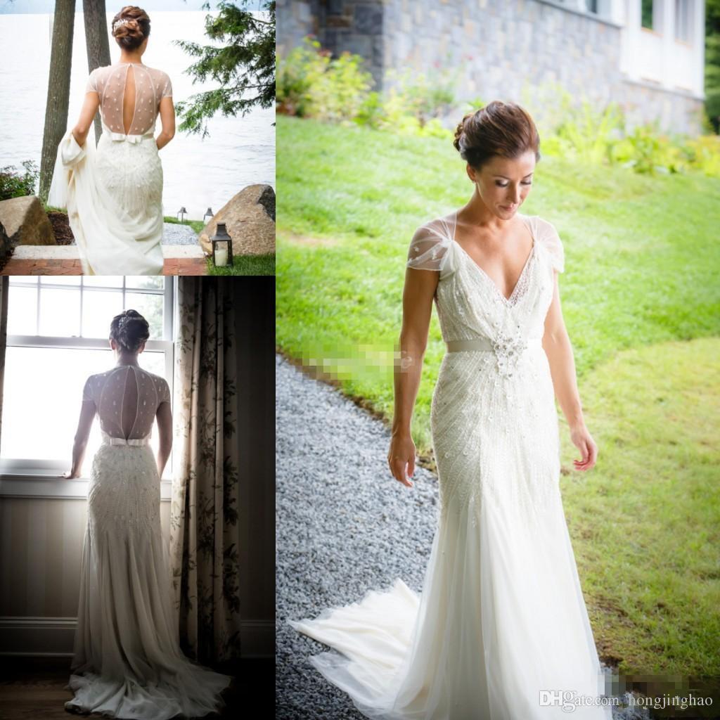 가운의 제니 팩햄 2019 아이보리 레이스 빈티지 칼집 웨딩 드레스 바닥 길이의 V 넥 짧은 소매 신부
