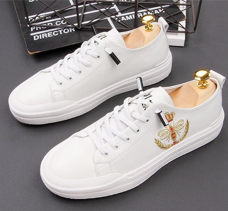 2020 hombres blancos de los zapatos ocasionales de los hombres del cuero genuino de peso ligero y transpirable zapatos de los planos de lujo caminando al aire libre de los hombres de los holgazanes de los hombres de las zapatillas de deporte 1330