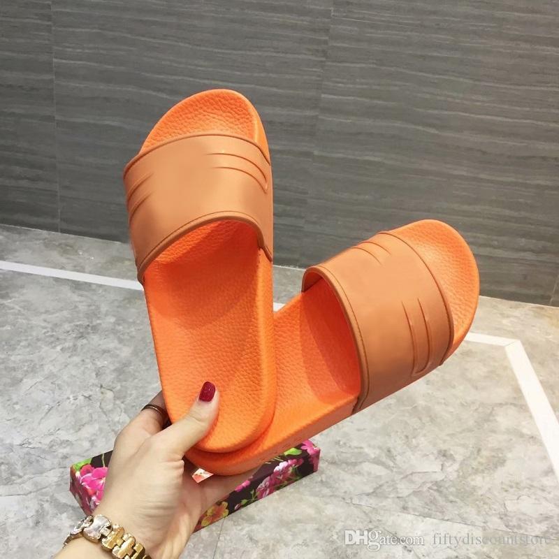 los hombres de color rosa Zapatillas G Letras palabra de caucho de diapositivas sandalia para hombre Negro Diapositivas caliente rosa flip flop Zapatos de playa del verano de los deslizadores plana 35-45