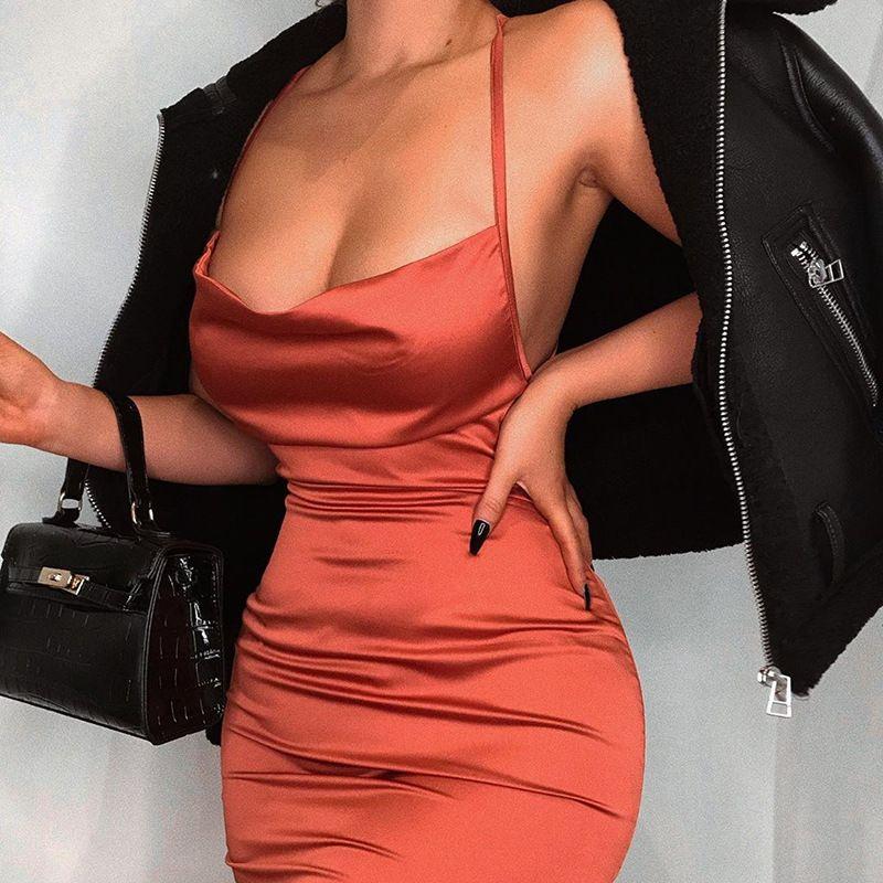 Sommer-Frauen Satin Silk Slippery Bandage rückenfreies Kleid Sexy Ärmel Sling-Partei-Kleid