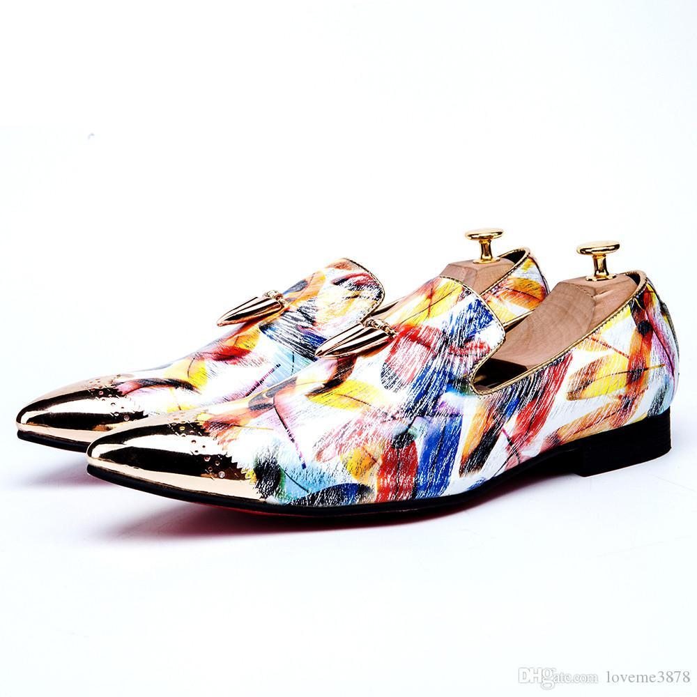 Moda de metal dorado de la firma del diente de tiburón de cuero genuino de los hombres holgazanes tallados Bullock Party vestido de hombre paty masculino zapatos de baile Slip On