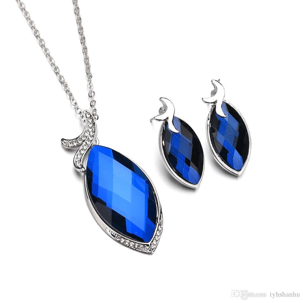 2019 Fashion Women Pendants Necklace Earrings Set Crystal Droplets Shape Dance Party Jewelry Sets N1359