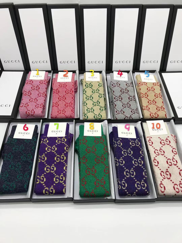 Kutu Ünlü Mektubu uzun Çorap Yeni Pamuk Çorap Gömme Marka Tasarım G kadın çorapları A04 ile 25 renk Marka tasarımcısı