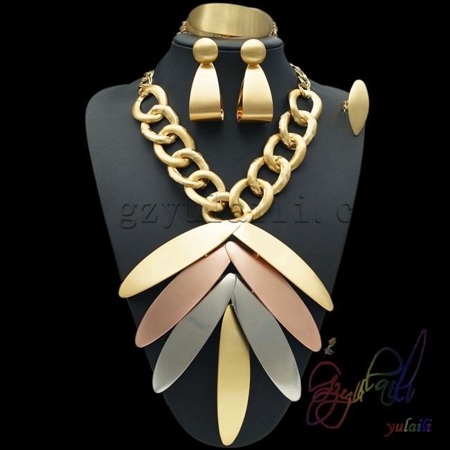 2017 الجملة أزياء رخيصة دبي مجوهرات طقم مجوهرات C18122701