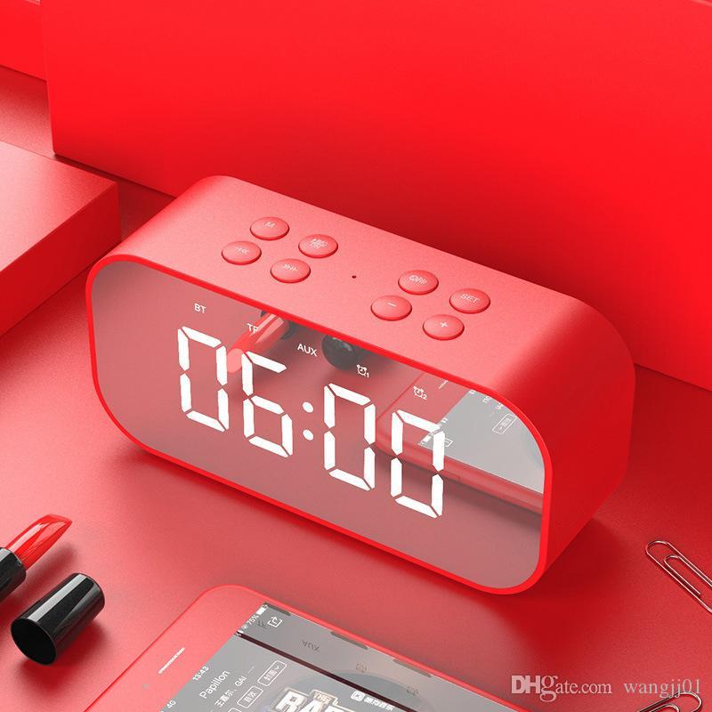Columna portátil altavoz subwoofer inalámbrico Bluetooth Music Box sonido LED Tiempo de alarma de reloj para el teléfono portátil caliente