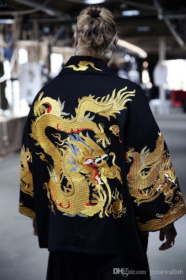 100% echtes chinesisches Drachen Kurzgewand schwarz mit Stickerei Drachen Unisex Gewand / Drama / Bühne / Oper / Performance