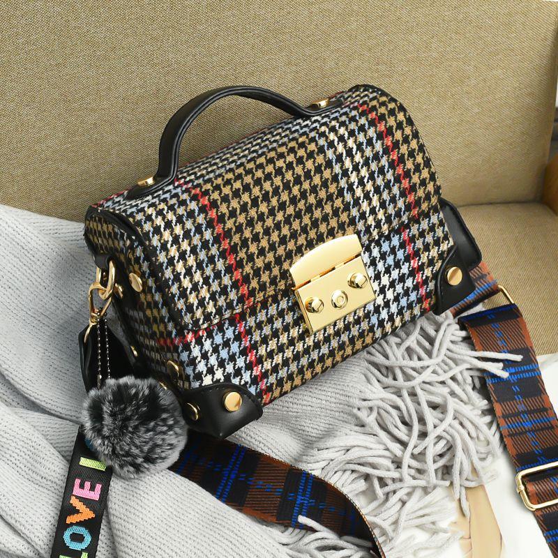 Designer-Pom Poms Stripes bolsas mujeres Flap bags diseñador Correa Cross body bags para mujeres Mayun wanggong / 1