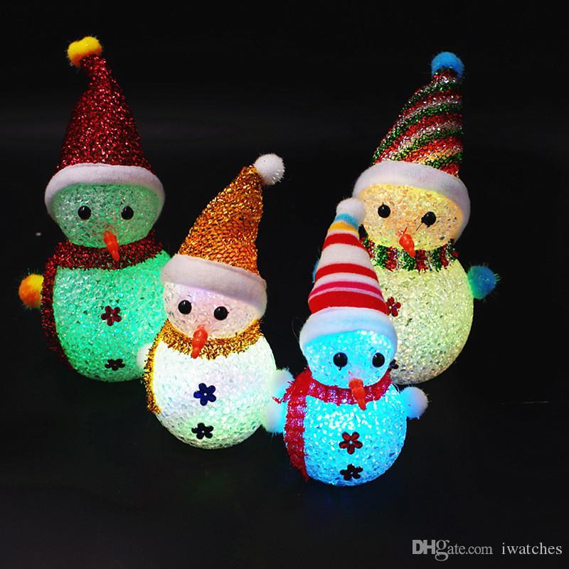 Noel LED Aydınlatmalı Kardan Adam Çocuk Oyuncakları Dekorasyon Hediyeler Parçacıklar Renkli Kardan adam Flaş Yaratıcı Yılbaşı Hediyeleri LED