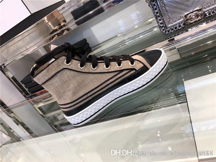 La plupart des célébrités du même style, la plus belle collocation invincible belles chaussures de sport décontractées