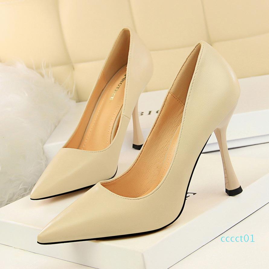 Hot venda- sapatos femininos brancos sapatos de saltos valentine zapatos Elegantes de mujer bombas das mulheres calçam sapatos pretos de salto alto garra femme 01ct