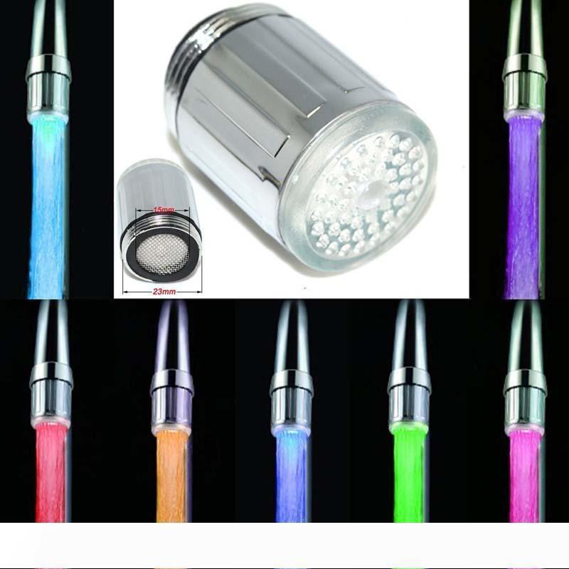 A 7 ألوان الصمام دش الأنوار الحنفية تغيير الصمام المياه رئيس الخفيفة التلقائي الوهج LED الحنفية مع محول معظم صنبور المطبخ Bathroo