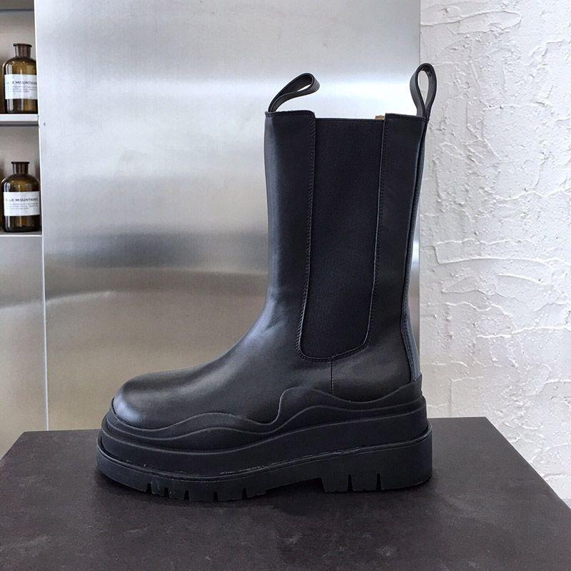 Designer Stiefel 2020 neue Art und Weise Luxus Mid-Calf Booties TIRE STIEFEL Frauen Plattform klobige Stiefel Damenstiefel Luxus-Designer-Frauen Stiefel