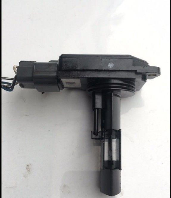MR985187 E5T60171 Mass Air Flow Meter For Mitsubishi Eclipse Galant Outlander Lancer 2.4L