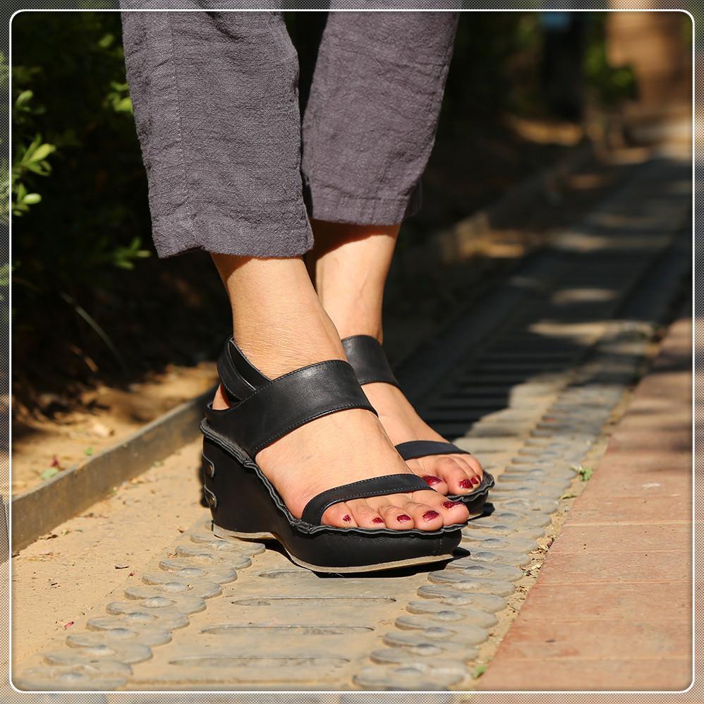Size300 Женщины Заклепка луки узла Плоских тапочки сандалии девушка Вьетнамка шипованная Летняя обувь Прохладной Пляж Слайды Желе обувь пусковой