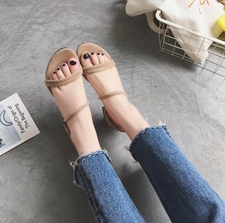 Diseñador de la venta caliente, nueva manera de la mujer sandalias con punta abierta zapatos de boda de las mujeres de moda para fiestas Una hebilla de llevar zapatos
