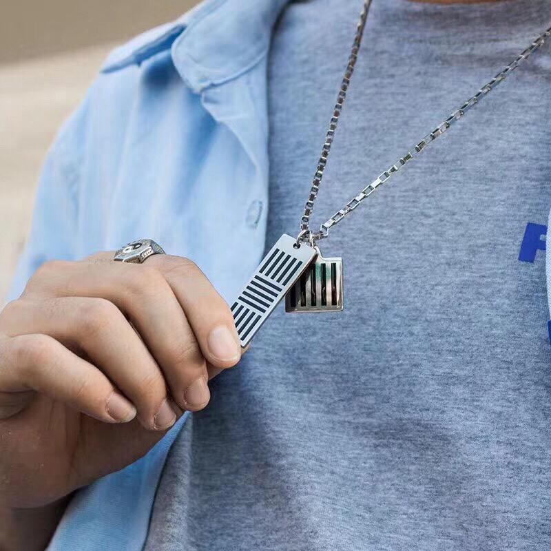 19FW Vuittton DAMIER schwarze Halskette Buchstabe-Block-Halskette Männer Frauen Hip Hop Outdoor Street Zubehör Festival Geschenk-Halskette HFLSXL003