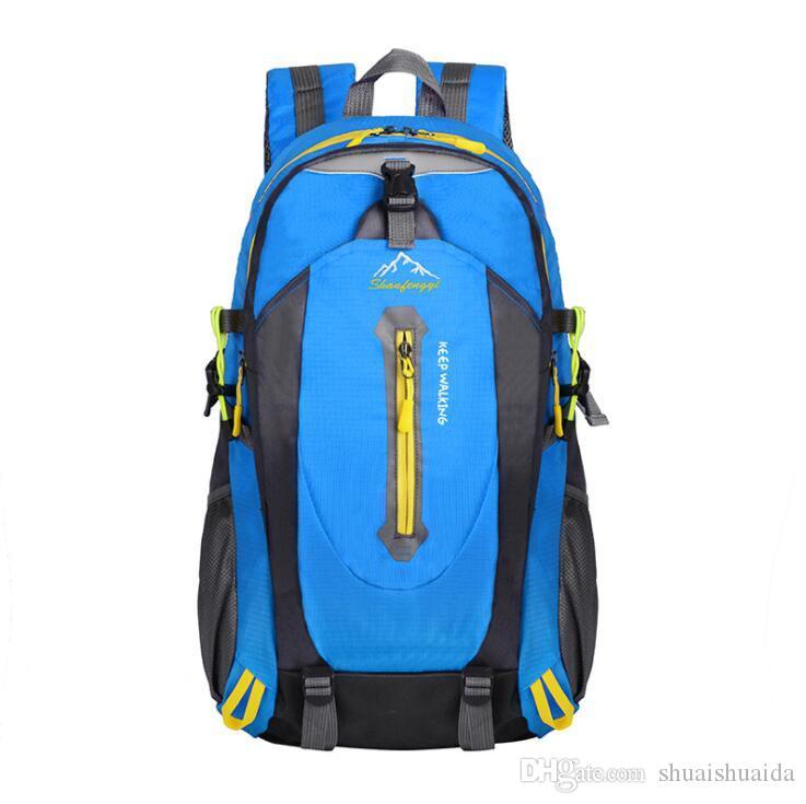 2019 Outdoors packs Backpack Fashion knapsack Computer package Big Canvas Handbag Travel bag Sport&Outdoor Packs Laptop bag camouflage A0972