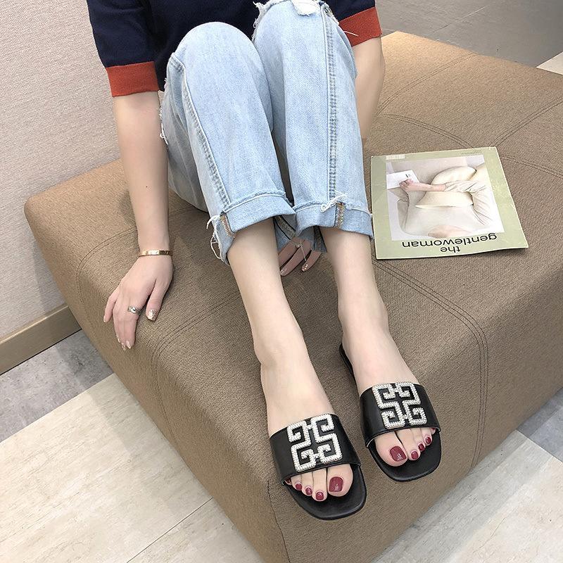 2019 Женские и мужские пару тапочек. Сандалии на резиновой подошве. Резиновые сандалии.