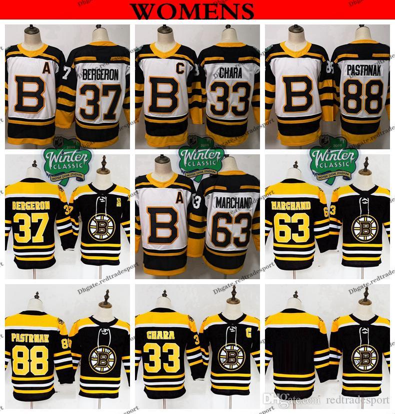 Boston Bruins Hockey-Trikot 2018 für Damen 37 Patrice Bergeron 88 David Pastrnak 63 Brad Marchand 33 Zdeno Chara Winter Classic Damen-Trikot