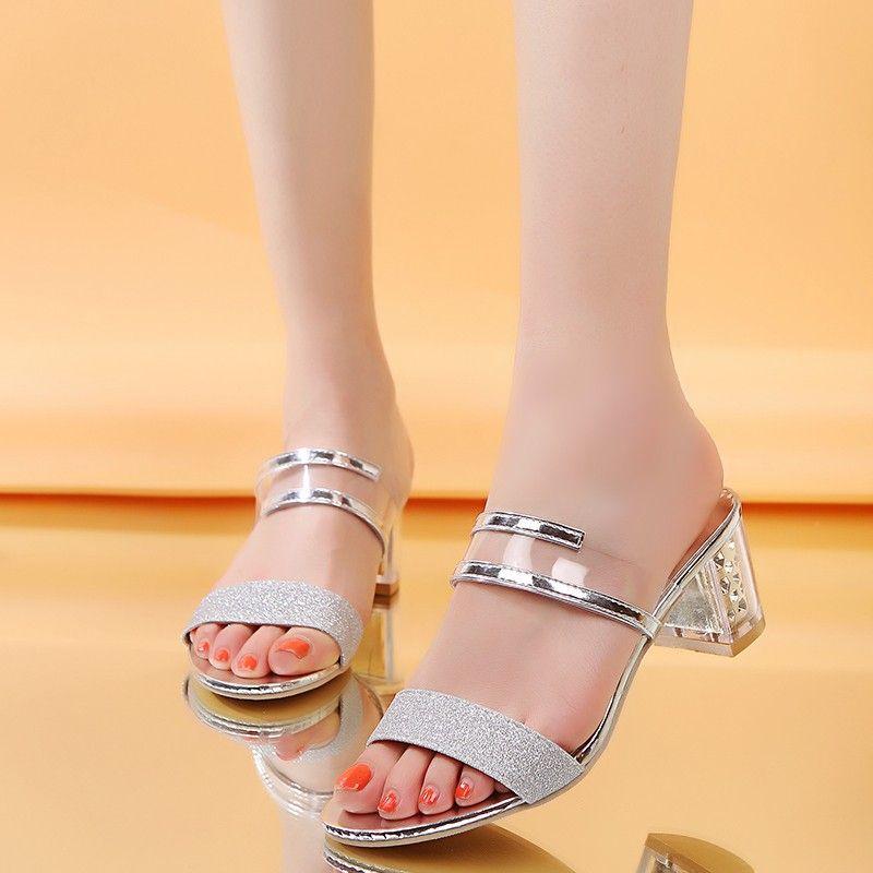 Plus Size Verão Mulheres Chinelos Peep Toe Mulher Sandálias De Salto Alto Chinelos De Salto Quadrado Lantejoulas Prata Ouro Desliza Fora