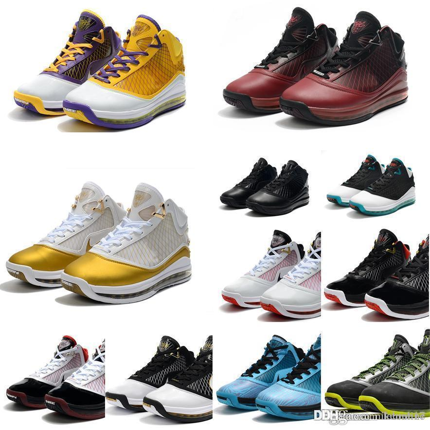 Yeni erkek James Lebron 7 basketbol ayakkabıları retro Noel Kırmızı Lakers sarı altın Siyah Mavi Bred 2k20 lebrons VII 17 sneakers tenis Ile kutusu