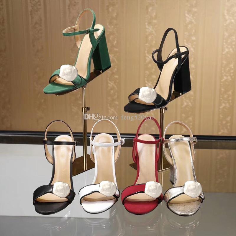 Tasarımcı Yüksek topuklu sandalet Kaba topuk deri Klasik kadın ayakkabı partiler ve ziyafetler için Metal toka lüks Seksi sandalet boyutu 34-42 41