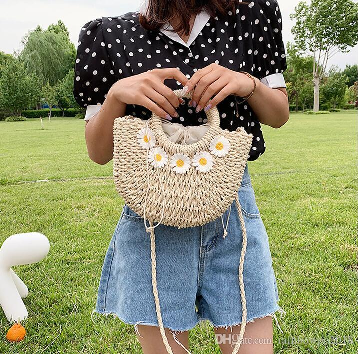 Factory wholesale women handbags hand-woven new daisy straw bag sweet little fresh woven handbag summer romantic beach vacation beach bag