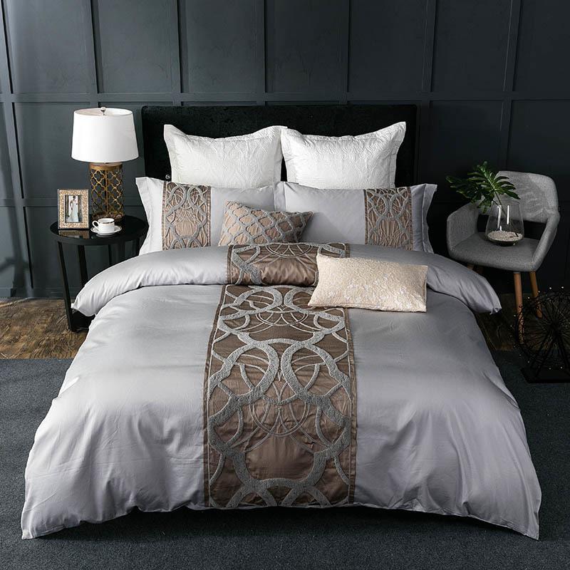 HM Leben Silbergrau Luxus Bettwäsche aus ägyptischer Baumwolle Set Königin König chinesischen Stickereien Bettbezug Bettlaken Set pillowcase T200706 Bett