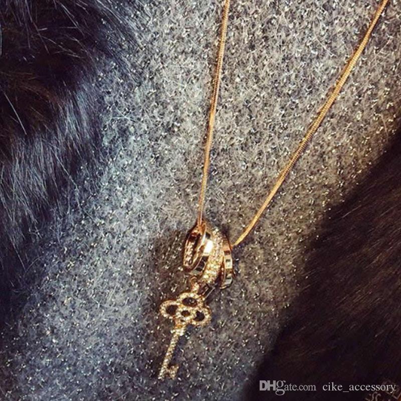 Metal Uzun Zinciri ile kaplı anahtar kolye beyaz akrilik ayar altın gümüş rengi ile kolye Üç daire kazak Kadınlar