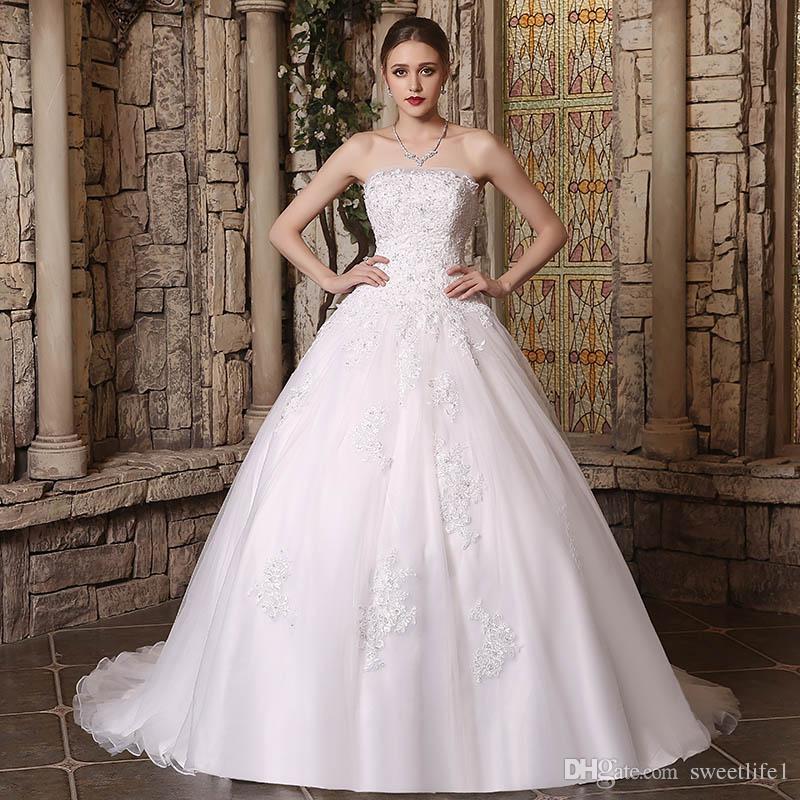 2019 New Dubai Elegant A-line Wedding Dresses Strapless Lace Appliques Beaded Vestios De Novia Princess Bridal Gowns with Buttons