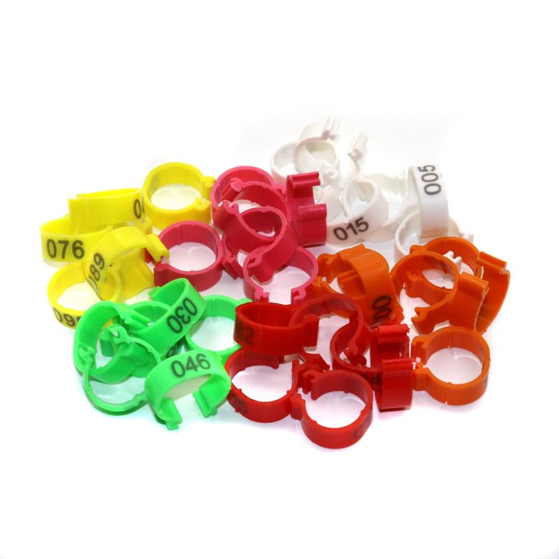 100pcs / set Innendurchmesser 1,6 cm Kunststoff Open Type Buckle Huhn Ente Gans Digital-Fuß-Ring Geflügel Beinringe Nr 001 ~ 100