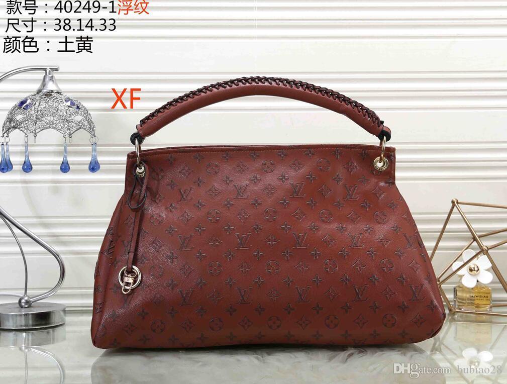 sacs de femmes designers sacs à main sacs à main sacs d'épaule mini sac à chaîne DESIGNERS sacs sac à bandoulière embrayage sac fourre-tout messager portefeuilles D62 bourse