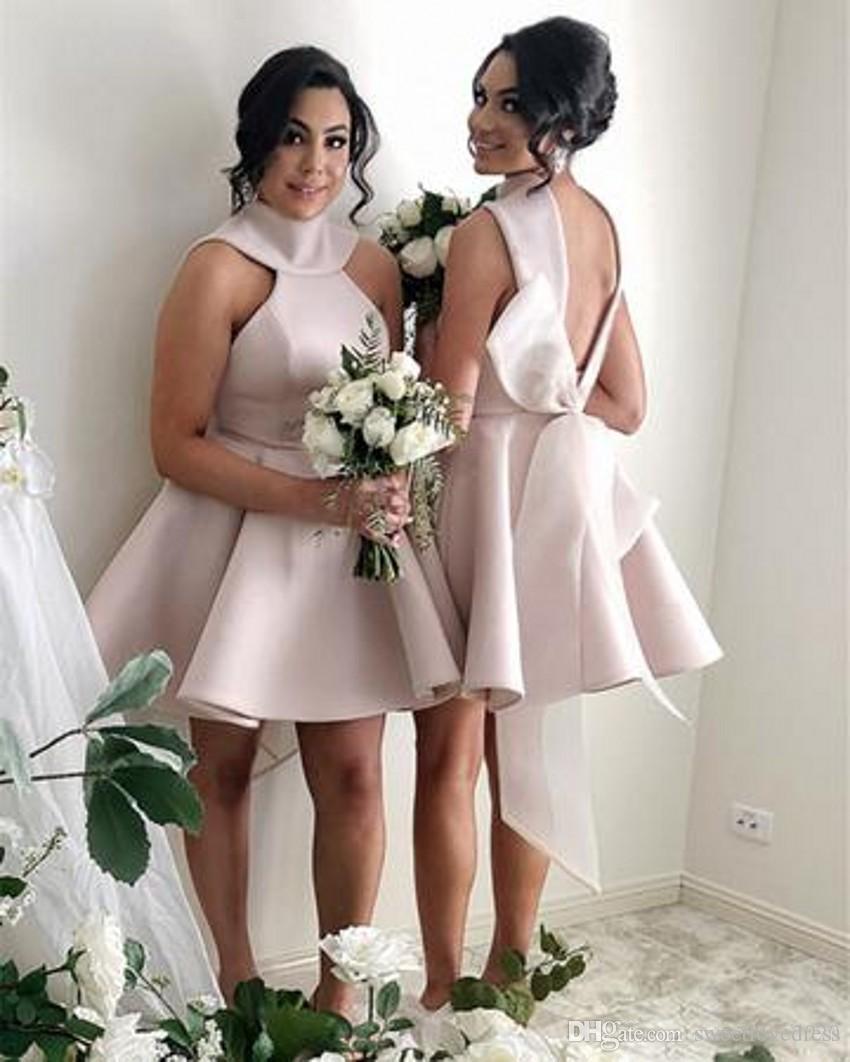 빈티지 1950 년대 짧은 신부 들러리 드레스 홀터리 다시 큰 활 rufle 겸손 가운의 명예 가운의 짧은 새틴 짧은 하녀