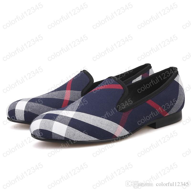 Zapatos de lona a cuadros azules y blancos Zapatos de conducción con punta redonda masculina Mocasines para hombres Plantilla de cuero de cerdo negro Zapatos casuales para hombres Pisos para hombres