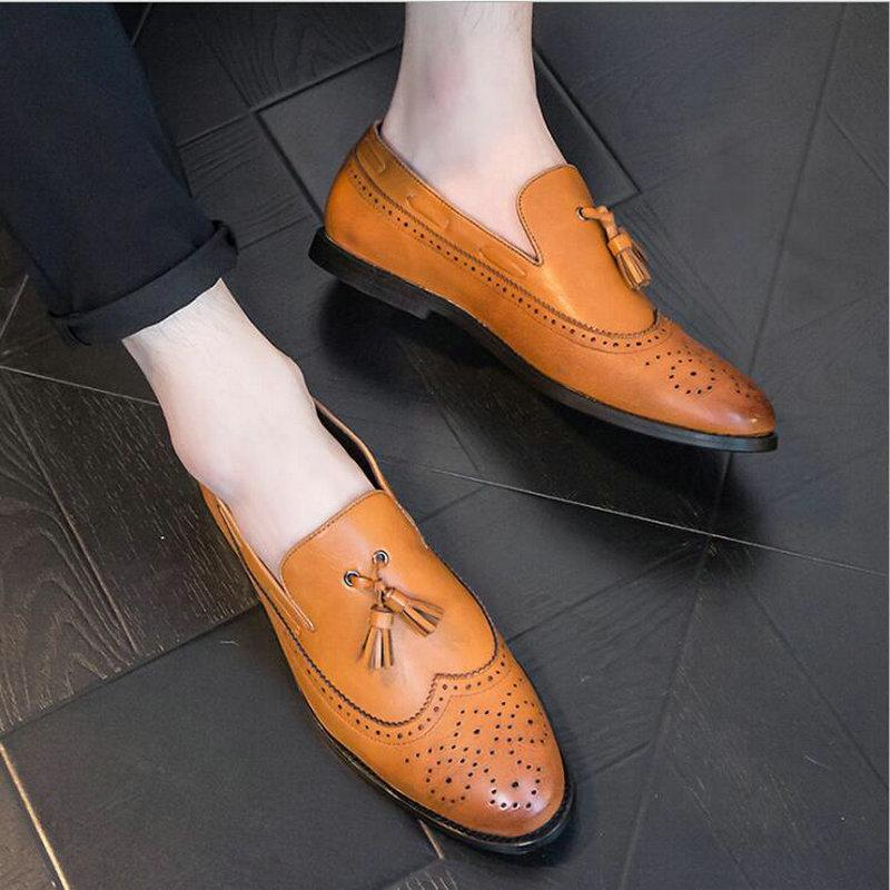 2019 Automne Chaussures En Cuir Slip On Men Mocassins Sculptés Robe Business Chaussures En Cuir Noir Jaune Hommes Glands rtg5
