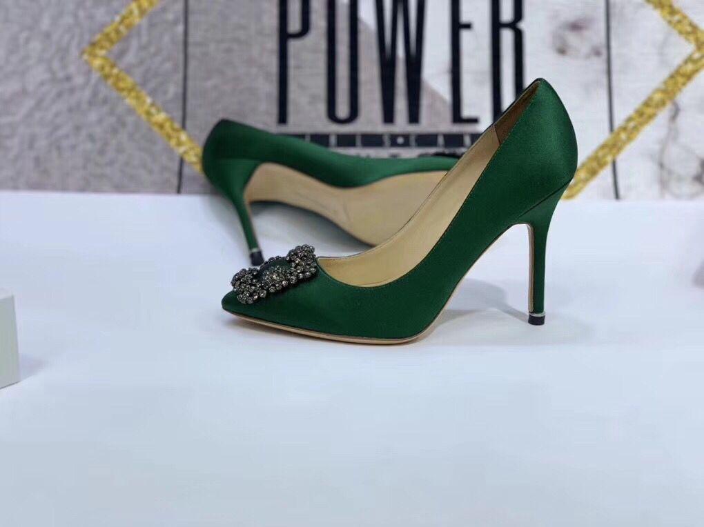 Zarif İnciler Kadınlar Elbise Ayakkabı Harf Baskı Deri Tasarımcı Ayakkabı Sivri Ayak parmakları Marka c c Yüksek Topuk Kadınlar Balo Ayakkabı by18120904