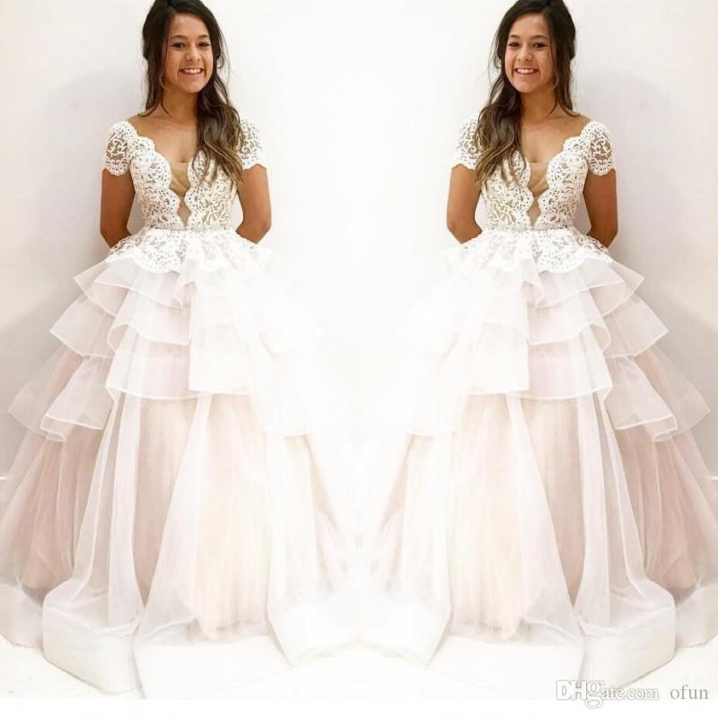 Romantic Short Sleeve Lace A Line Tulle Bohemian Wedding Gowns V Neck Ruffles Tiered Long Wedding Dresses With Appliques
