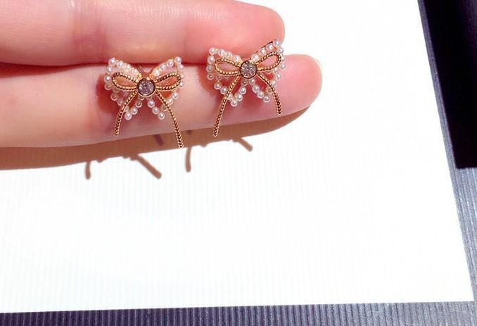 Оптово сверкающих Новый модный моды роскошь дизайнер мило прекрасный алмаз жемчуг бабочки лук серьги стержня для женщины девочек