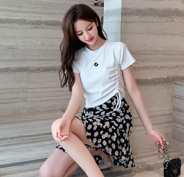 2020 weiblichen Top-Stickerei T-Shirt mit Stickerei dünne runden Kragen Kurzhülse weiblichen Kordelzug gestickten Blume Daisy T-Shirt