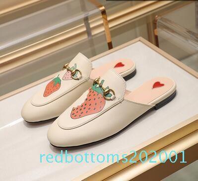 Роскошные дизайнерские тапочки женщины Принстаун кожаные тапочки Bling плоские мулы Повседневная обувь мокасины мода открытый тапочки дамы лето r01