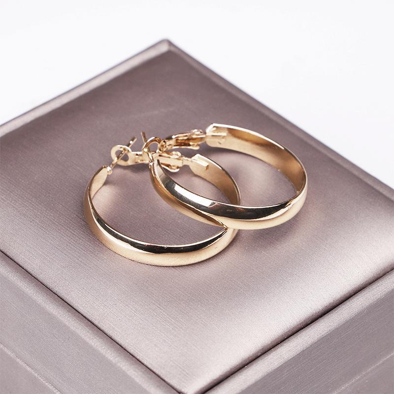 الذهب جولة هوب الصغيرة قرط الأذن للمرأة 30mm وكلاسيكي بسيط حلقات الأطواق إمرأة هدية غرامة المجوهرات 2020