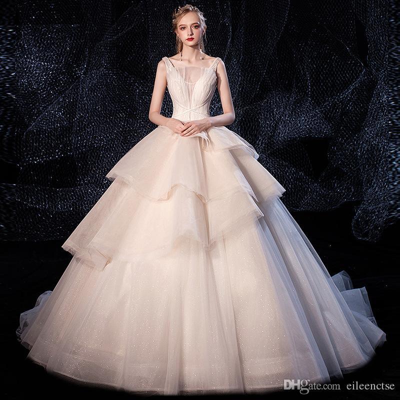 Kek evlenmek elbise! Halter V yaka parıltı atık balo elbisesi gelinlik sırf bel boncuk tasarımcı 3 katmanlı beyaz dantel yukarı evlilik evlenmek etek
