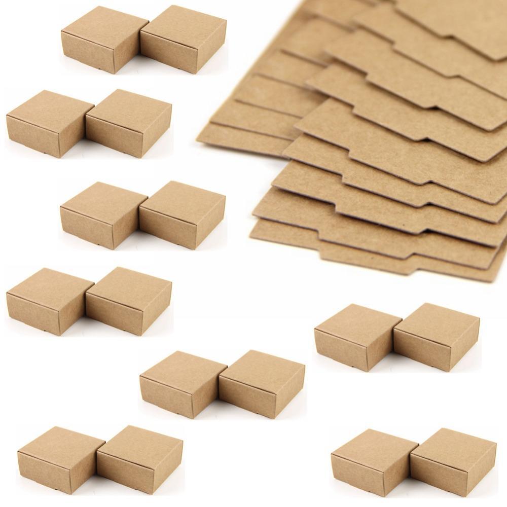 50PC صندوق من الورق المقوى البسيطة SIZE 5.5cmx5.5cmx2.5cm DIY كرافت ورقة مربع الصابون مجوهرات التعبئة هدية