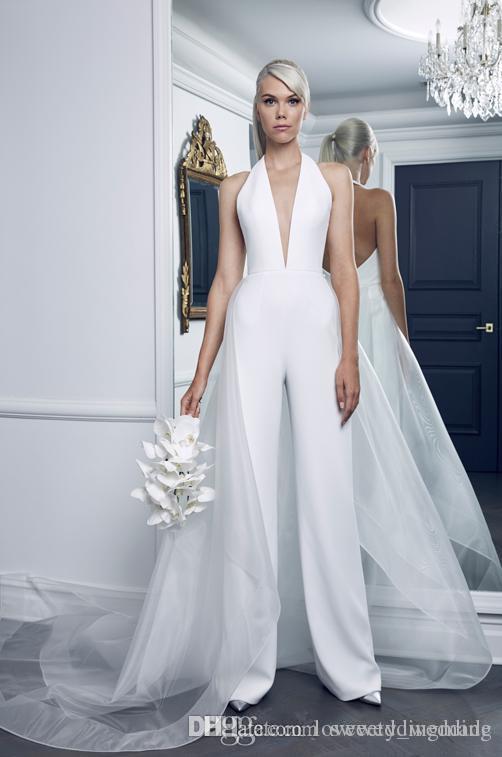 Seksi Derin V Boyun Beyaz WEDding Elbiseler Tulumlar Moda Kadınlar Için Özel Made Backless kat Organze Overskirt Ile Lider Gelinlik