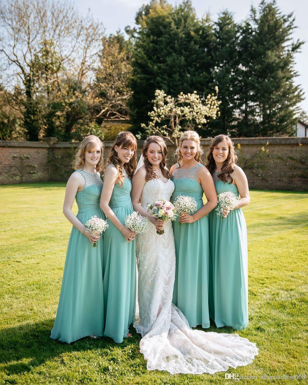 Nuevos pliegues de gasa Más el tamaño Vestidos de dama Joyas Perlas baratas Sin respaldo Vestido de dama de honor Brautjungfer Kleider Vestidos de boda