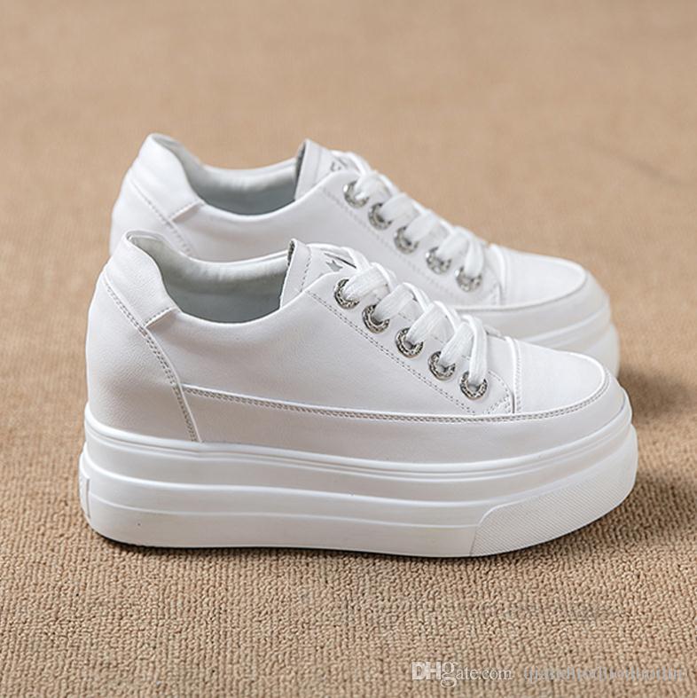 Платформа кроссовки New Spring Женская обувь для женщин Повседневная обувь Wild платформы каблуках Женщина отдыха женщин белые кроссовки