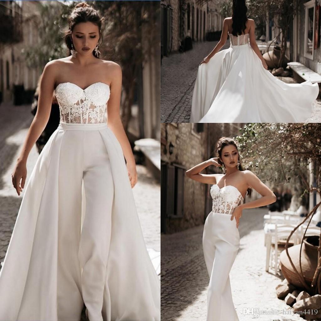2020 Nouveau pas cher Blanc Tenues Une ligne Robes de mariée en satin avec dentelle chérie overskirts Pantalons Robes de mariée Robe Robes De Novia
